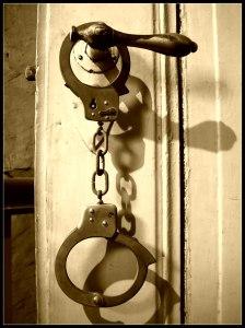 Cuffs_by_grafzahl